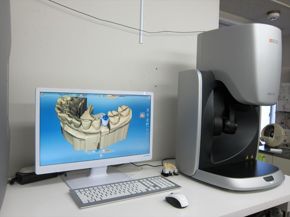 笠原歯科・六本木技工部に歯科用多機能CAD/CAMを導入